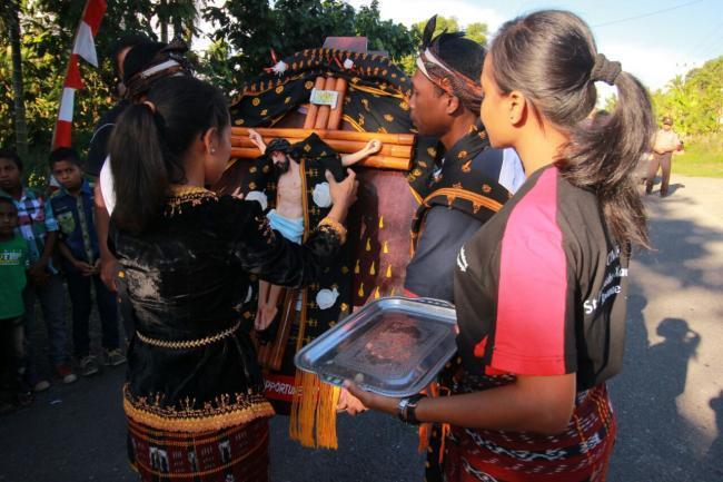 Ezrek evangéliumi öröme Indonéziában