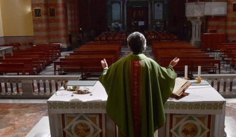 Olaszország egész területére kiterjesztették a misék szüneteltetését