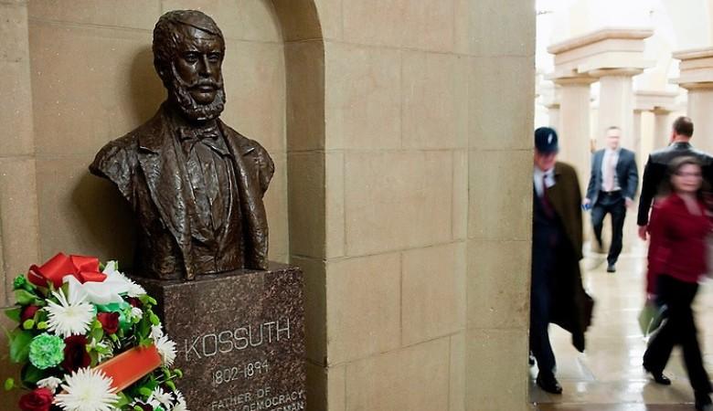 30 éve áll Kossuth szobra a Capitoliumban