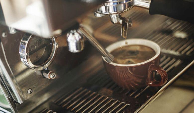 Felolvasások, koncertek és séták is lesznek a Kávéházak éjszakáján