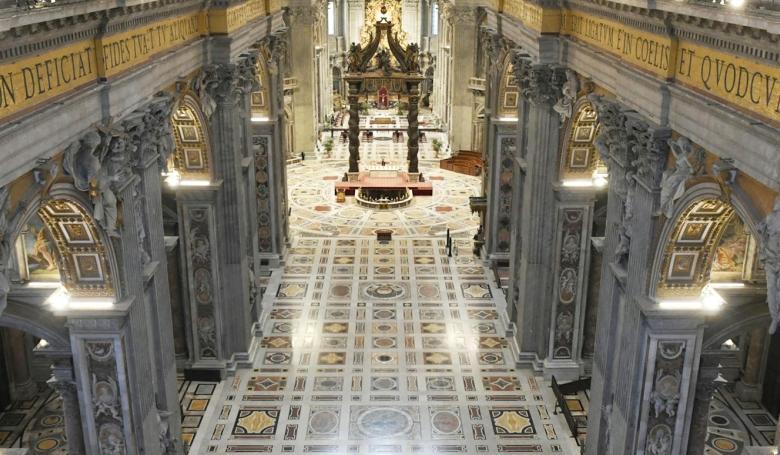 Így ünnepelte Ferenc pápa Nagycsütörtököt