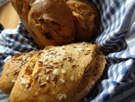 NÉMETORSZÁG<br /><br />Hagyományosan  Halottak napján ajánlják fel a Lélek kenyeret.<br />