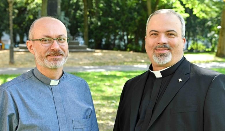 Katolikus pappá szentelnek két evangélikus lelkészt