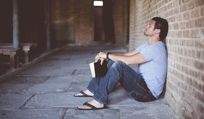 Miért olyan nehéz felemelni egy Bibliát?