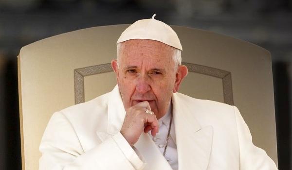 Ferenc pápa: A Vatikánban is van korrupció, Mária nem szupersztár, a papok ne hercegeskedjenek