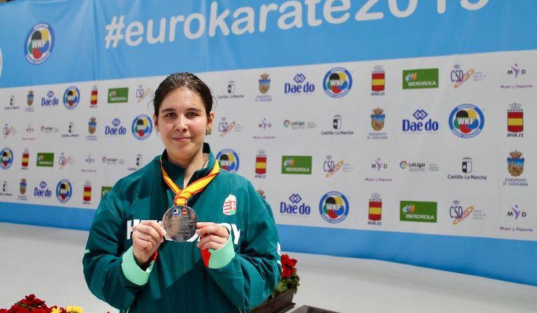 Kárpáti Petra ezüstérmet szerzett a karate Európa-bajnokságon