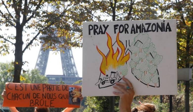 A környezetvédelmi aktivisták több országban kimentek az utcára