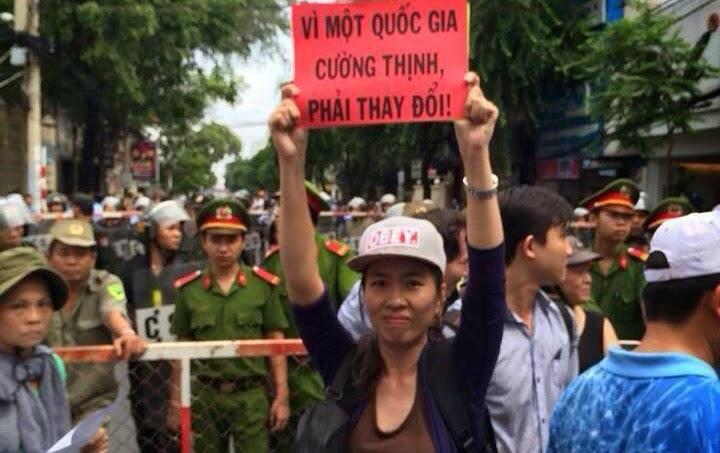 Több százezren állnak az igazságtalanul bebörtönzött katolikus édesanya mellett