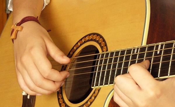 Írd be a naptáradba: szeptember 10-én gitáros kórusok találkozója!