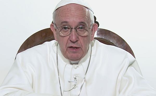 Ferenc pápa üzeni: Akár én is lehetnék az a menekült