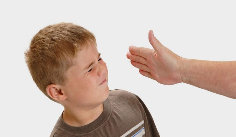 A gyereknek árt a testi fenyítés, függetlenül attól, hogy mit gondolunk róla
