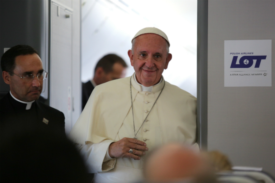 pope_francis_aboard_the_papal_flight_from_poland_july_31_2016_credit_alan_holdren_cna_cna.jpg