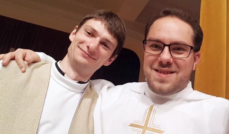 A papok nem magányos szuperhősök