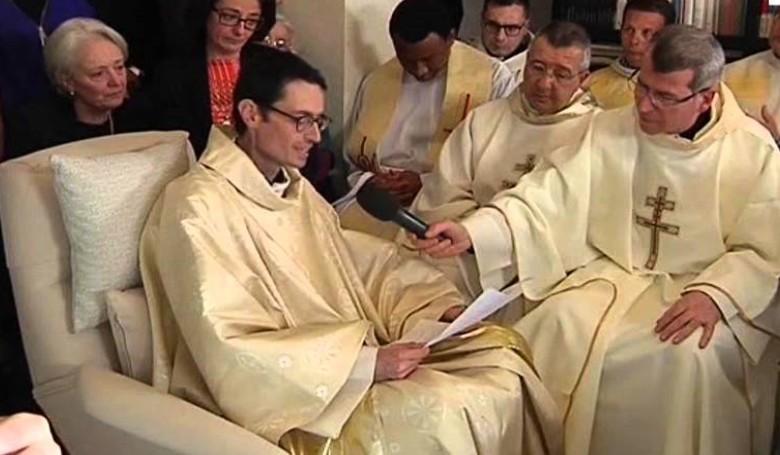 Felszentelték, hogy papként halhasson meg
