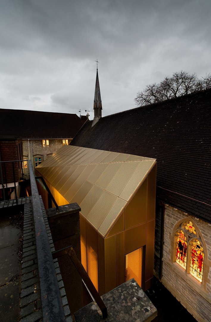 university-westminster-chapel-design-engine-architects-architecture-cultural-riba-uk_dezeen_2364_col_2.jpg