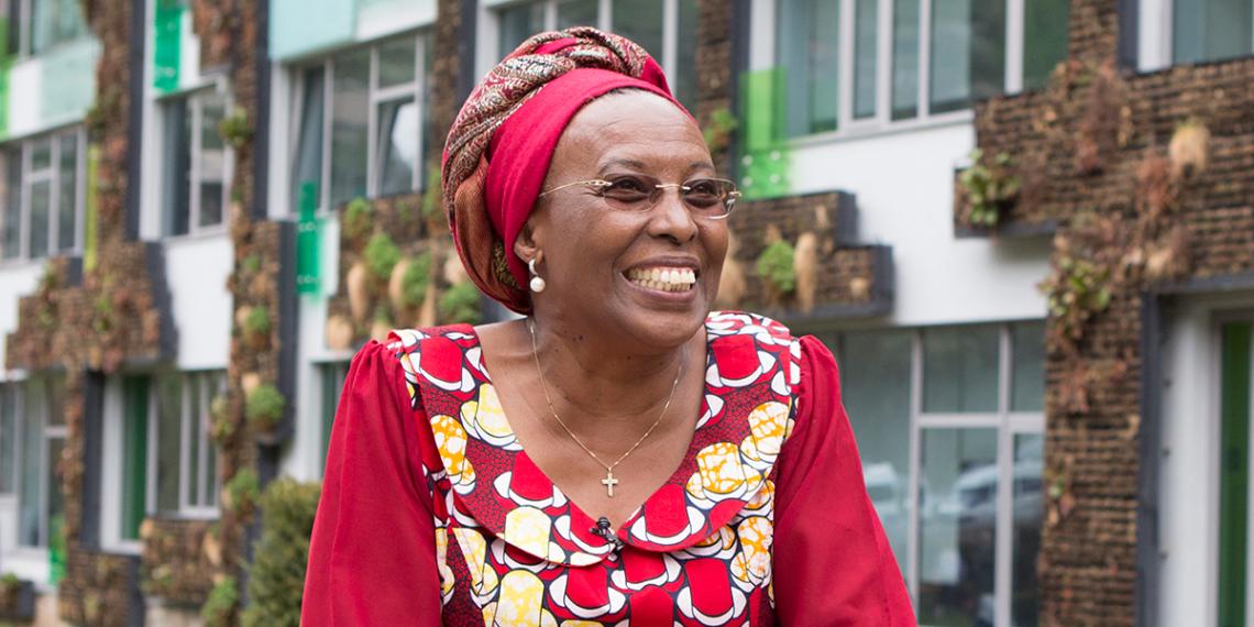 Marguerite Barankitse<br /><br />Nem csak keresztény anya, aki 7 gyermeket nevel és gyermekek ezreit védte meg a népírtástól, de létrehozott egy alapítványt is, hogy segítse ezeket a gyermekeket és a közösség békéért való küzdelmét a háború sújtotta területeken. Micsoda tanúsága a reménynek!<br />