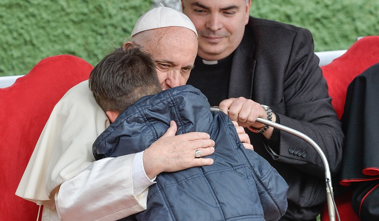 web3-pope-francis-little-boy-silvia-lore-nurphoto.jpg