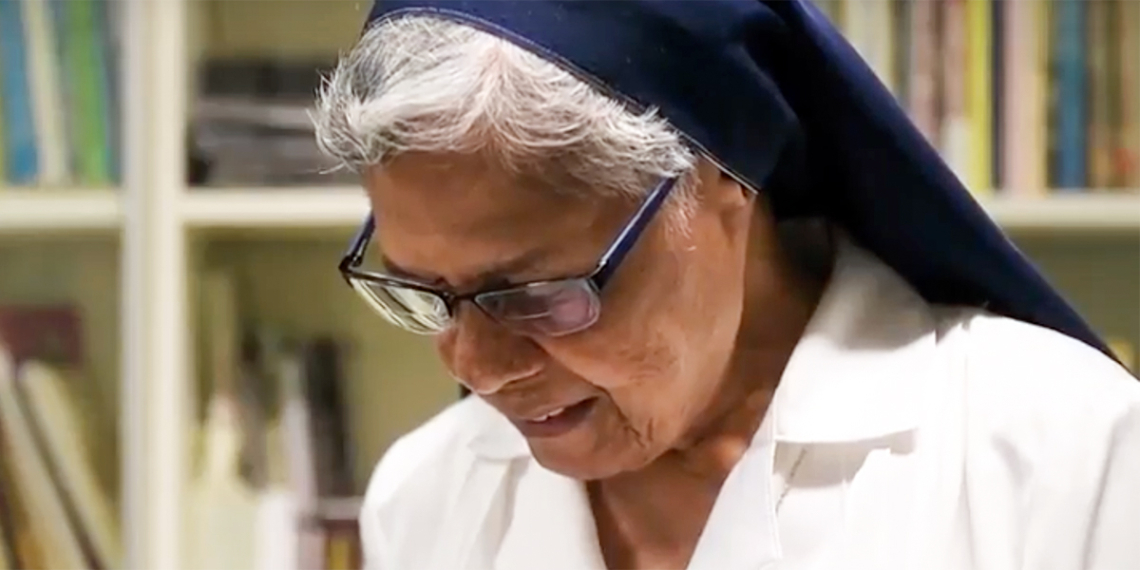 Gerard Fernandez nővér <br /><br />A BBC beválasztotta Fernander nővért a '2019 100 Leginspirálóbb Nője' közé, annak ellenére, hogy 35 éven át, egészen 2017-ig, a nyugdíjba vonulásáig teljesen titokban tevékenykedett. Különleges küldetése az volt, hogy a Death Row-ban lakó, elítélt rabokat kísérte és készítette fel az Istennel való találkozásra.<br />