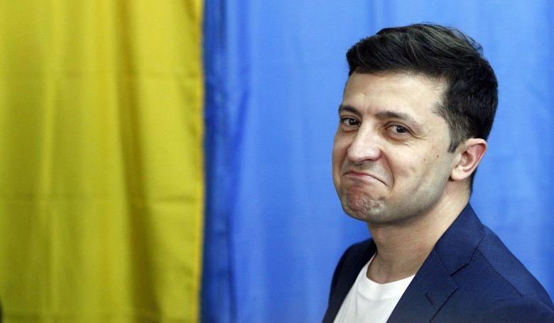 Ukrajna: Zelenszkij pártja egyedül megszerezheti a mandátumok többségét