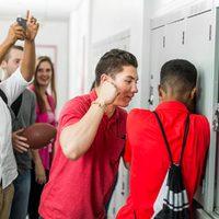 Könyvajánló az iskolai erőszakról: Jodi Picoult: Tizenkilenc perc