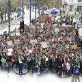 Újra több ezer ember vonult Budapesten a klímavészhelyzet kihirdetését követelve