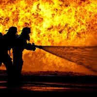 Tűzoltó leszel s katona?