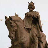 Nagyvárad főterére szeretnék visszaállíttatni Szent László király szobrát!