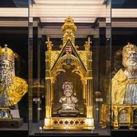 Hol, milyen hermája található Szent László királynak?