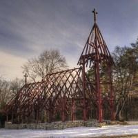 A természet ihlette ezt az 500 éves Szent László templomot