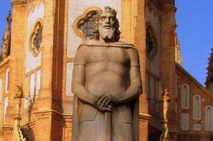 10 gyönyörű szobor Szent László királyról