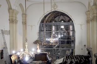 Szent Lászlót ábrázoló freskórészletek találtak Marosvásárhelyen