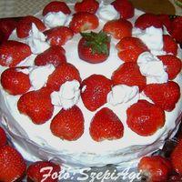 Epres piskóta torta