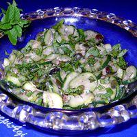 Illatos, aromás cukkini saláta