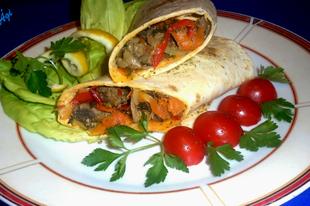 Csirkemájas zöldséges töltött tortilla