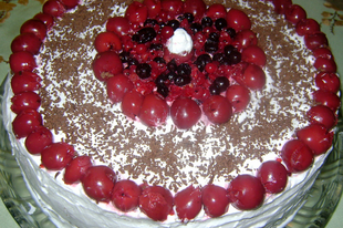 Extra gyümölcsös fekete erdő torta