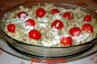Zöldfűszeres, sonkás- joghurtos tésztasaláta