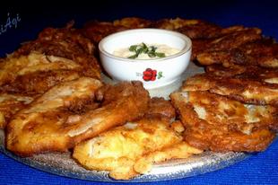 Sajtos tésztában sült patisszon szeletek