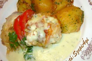 Húsos rakott karfiol, vele sült krumplival és sajtszósszal