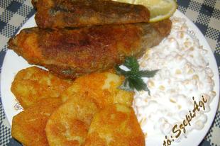 Sült haltörzsek, panírozott krumplikarikával és kukoricasalátával