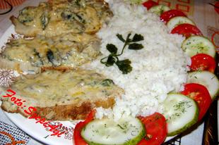 Gombás sertéssült, kapros rizzsel és zöldségsalátával