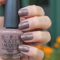 Lakk / OPI Over the Taupe
