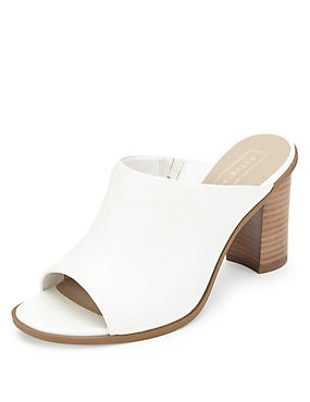 Leather Block Heel Mule Sandals - Marks&Spencer | 21 000.-<br />