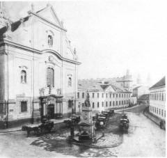 budapest-nereidak-kutja-a-ferenciek-teren-1870_1.jpg