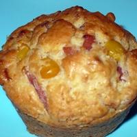 Hagymás, baconos, sonkás, kukoricás muffin