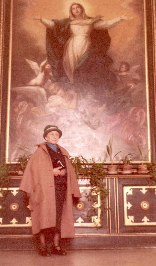 - 1982 -- Erzsébet asszony a fehérvári püspöki palotában 1981-.JPG