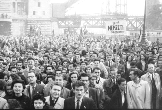 1956_revol_students_demonstrating_535.jpg