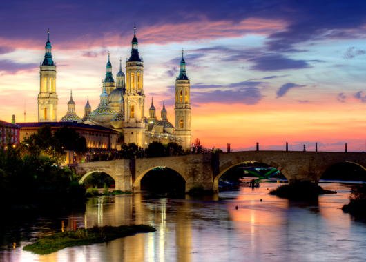 basilica_of_our_lady_of_the_pillar_and_the_ebro_river_zaragoza_530.jpg