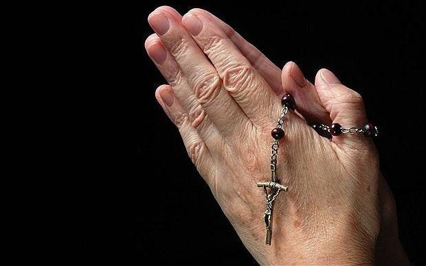 crucifix_2134749b.jpg