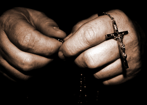 hands-with-rosary-_300.jpg