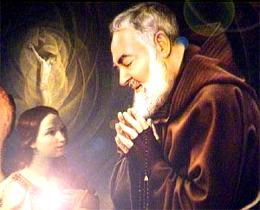 padre-holy-communion-angel_260.jpg